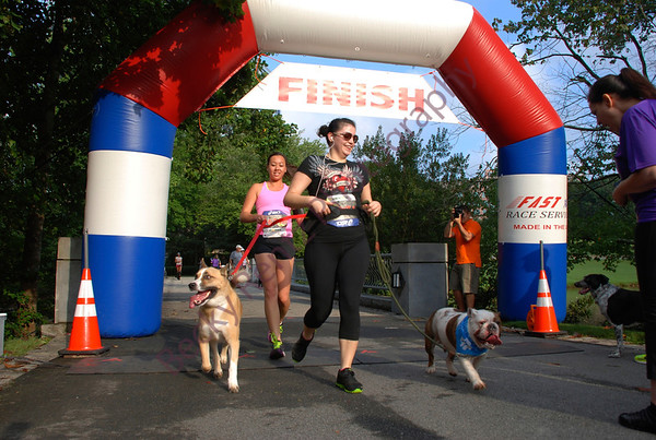 2013 Walk Wag N Run 1 Mile Fun Run